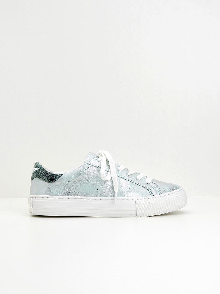 Voir cette épingle et d'autres images dans sneakers par nesslootens78.