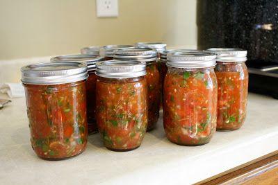 Canning salsa, hot water bath method. noordinarysparrow.blogspot.com