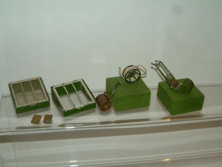 Britains miniature lead Garden Photo set 1 of 6