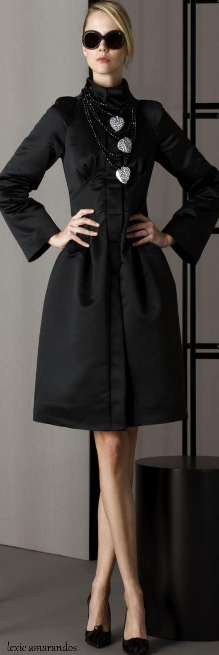 Very elegant day dress. Love this item