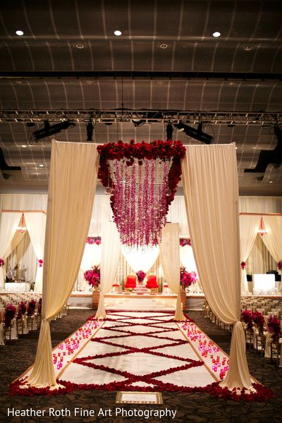 Ceremony http://www.maharaniweddings.com/gallery/photo/38388 @kiwedding