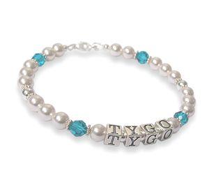 Moeder sieraden. Mooie zilveren Swarovski moeder armband met naam. Een prachtig kado voor mama