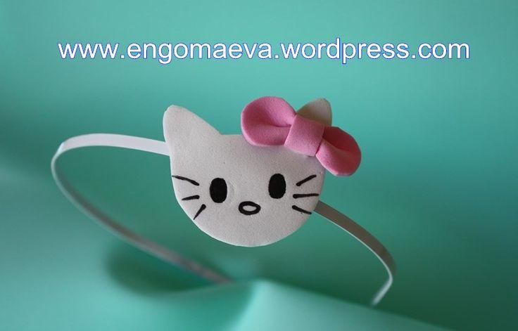 Headbands Hello Kitty made with craft foam (foamy). A cute and sweet!! Contact:engomaeva@gmail.com Diademas Hello Kitty hechas con goma eva (foamy). Lindo y dulce!! Contacto:engomaeva@gmail.com