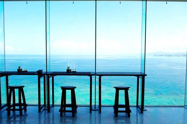 オーシャンビューカフェ残波邸や世界各地の旅行・観光の絶景画像|アイディア・マガジン「wondertrip」