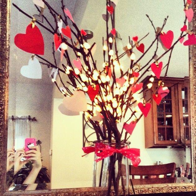 Centro de mesa para San Valentín con corazones