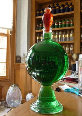 Awesome Pharmacy Apothecary Druggists Show Globe