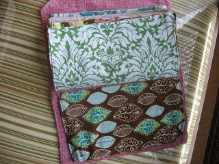 DIY Cash-System Wallet Tutorial | Modern Alternative Mama    This is a fabric version of the envelope system.  I really like this idea . . .