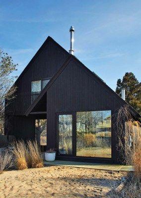 Beach retreat with Scandinavian style interiors in Montauk: Surf House