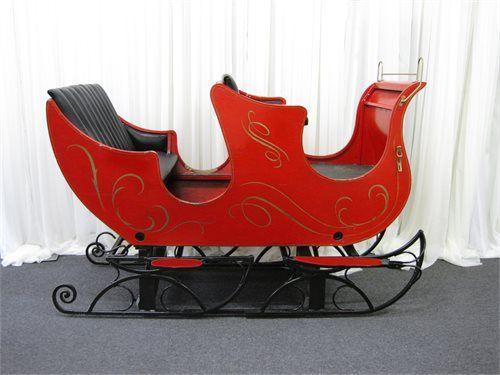 large-red-traditional-christmas-sleigh.63948.jpg (500×375)