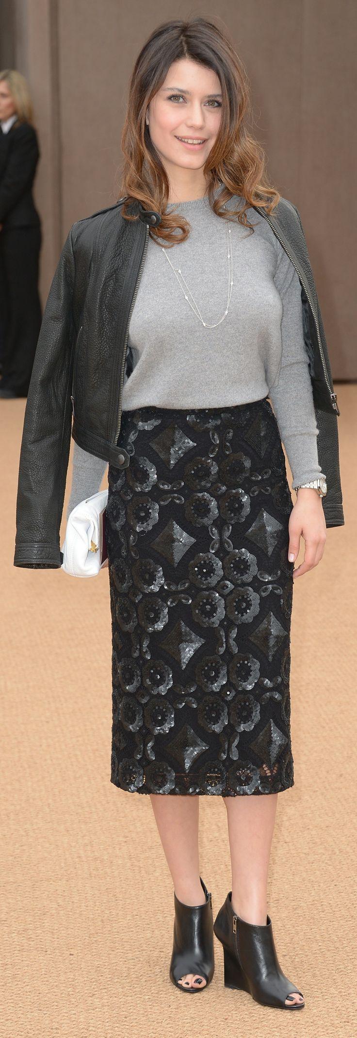 Turkish actress Beren Saat wearing Burberry and The Petal bag at ...
