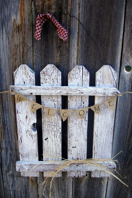 25 best ideas about picket fence decor on pinterest for Fence ornaments ideas