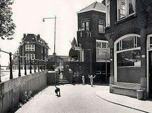 Hoofdstraat, hoek einde Groenelaan met het trappetje naar de Lekstraat