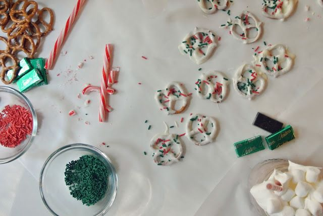 Must Make - Pretzels with White Almond Bark, Sprinkles, and Crushed Peppermint. Also love the 25 Days of Christmas Bucket List | Little Baby Garvin