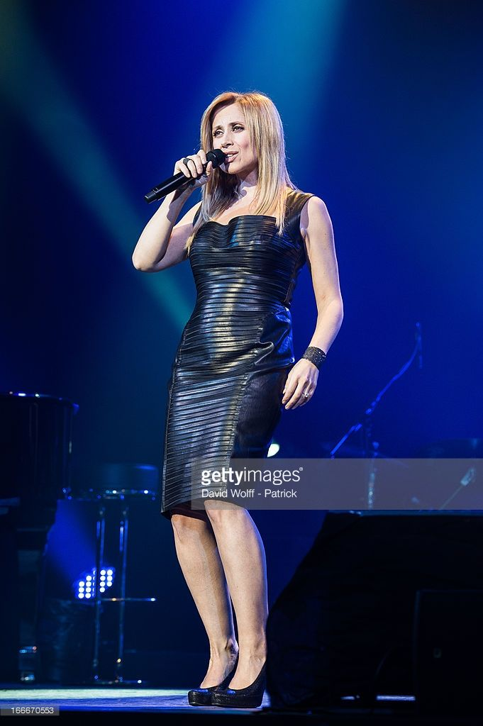 Photo d'actualité : Lara Fabian performs at Theatre de Paris on April...