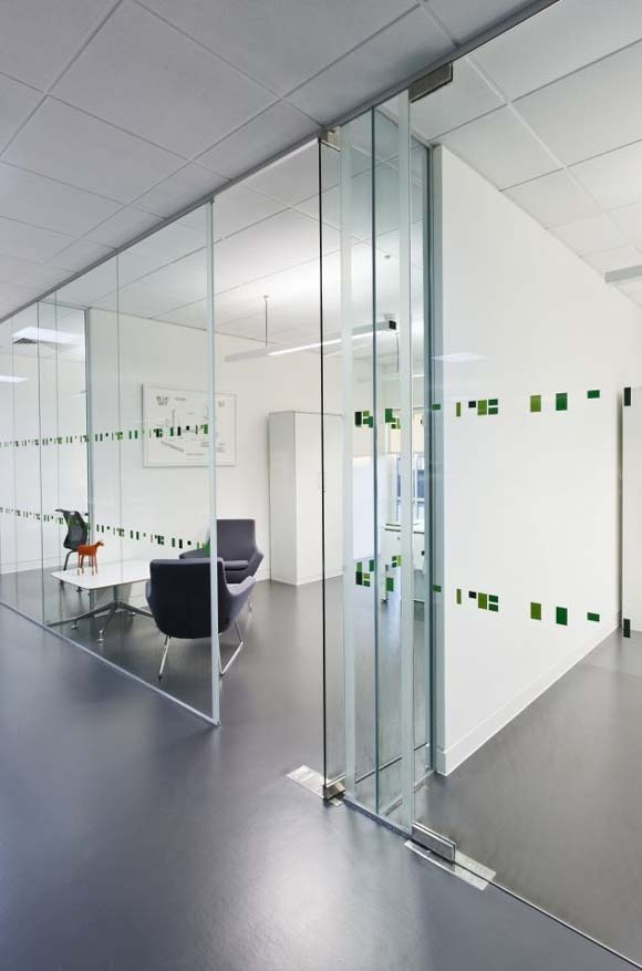 glass walls for meeting