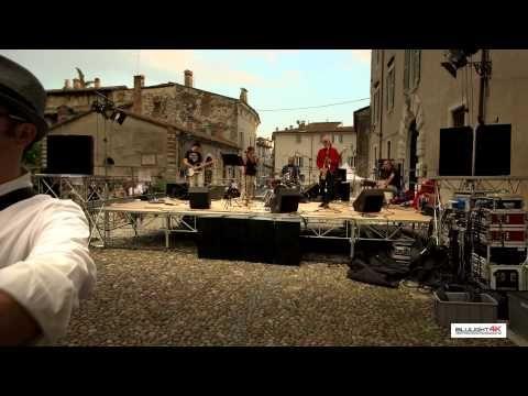 Street Art - Music  Brescia Italy - Blulight gallery