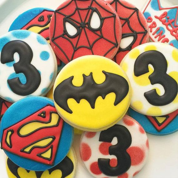Galletas de super héroe por LittlePrinceCookies en Etsy