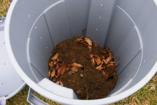 Compost Bin- a great idea!Frugal Living, Gardens Ideas, Compost Bins, Diy Compost, Easy Compost, Gardening Outdoor, Diy Projects, Bins Tutorials, Bungee Cords