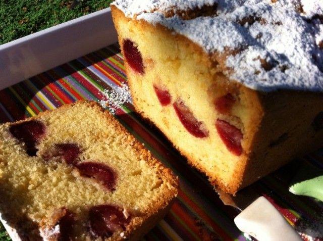 Ricetta plumcake al ribes rosso e lamponi: come fare il pieno di energia a colazione