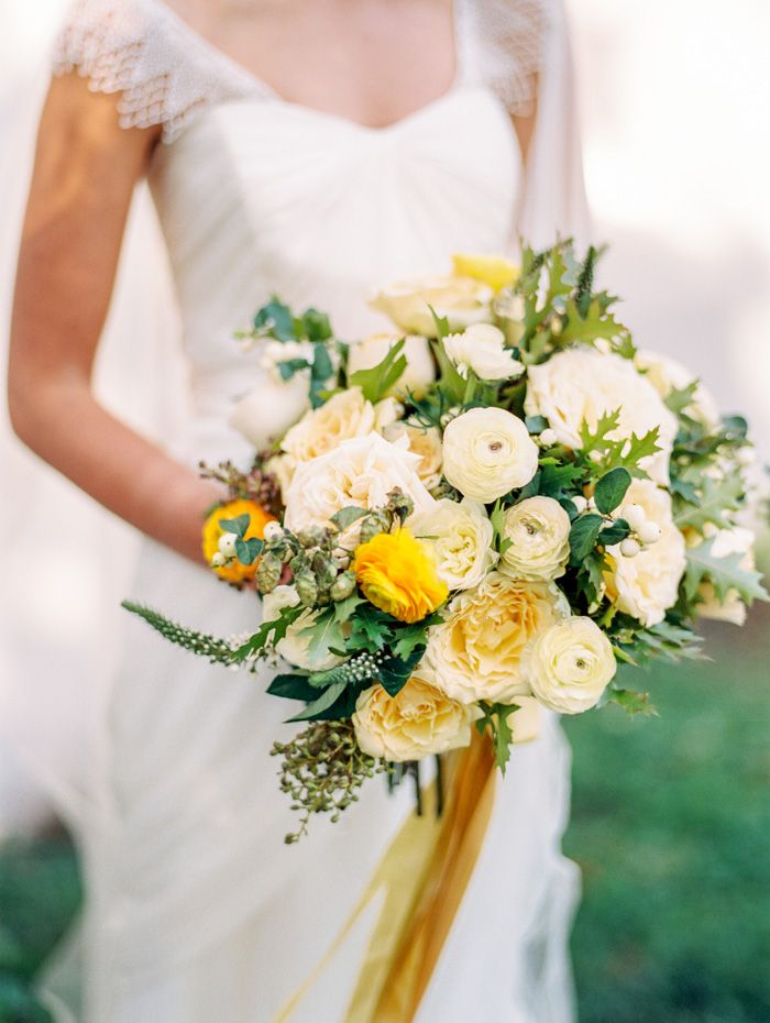 #gold ribbon bouquet #yellow and white | floral design by Lisa Collins & Jordana Masi for SWEET WOODRUFF