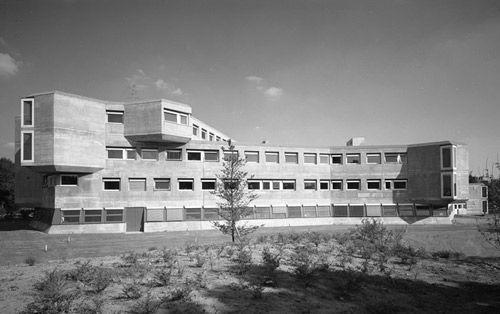 Max-Planck-Institut für Bildungsforschung Berlin 1965–74.  Fehling + Gogel.