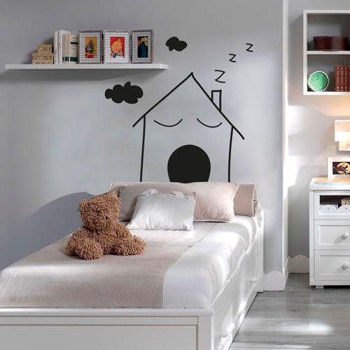 Cabecero de vinilo de una casita durmiendo para colocar en una habitación infantil