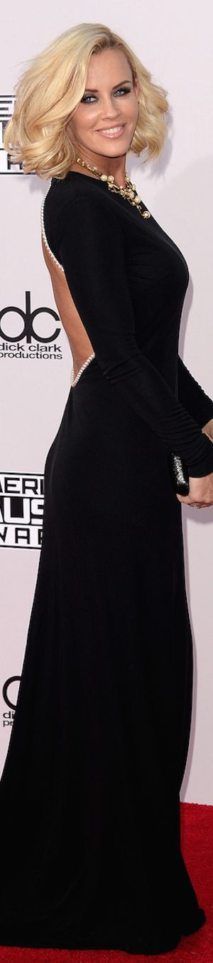 American Music Awards Red Carpet Fashion / JENNY McCARTHY
