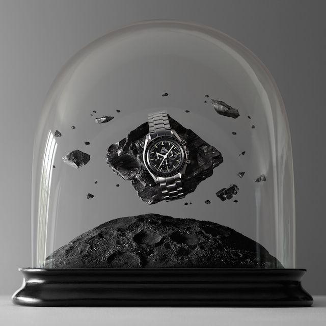 Une belle mise en scène des montres de la marque Omega - www.cometvous.fr