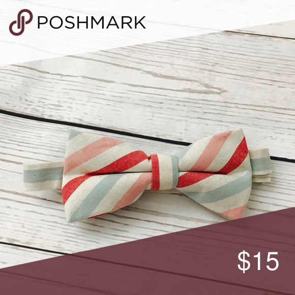 Kids bow ties, men's bow tie, toddler bow tie,tie Super cute candy cane style bow tie. One sizes fits toodler to adult . Bow ties is adjustable to neck size. Accessories Ties