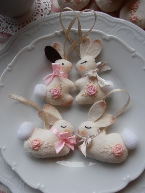 Húsvéti nyuszik,filc,4 darab, Otthon, lakberendezés, Dekoráció, Húsvéti apróságok, Ünnepi dekoráció, Meska