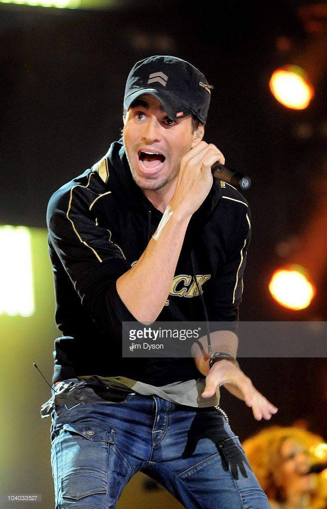 Enrique Iglesias performs live on stage during the Heroes Concert at Twickenham Stadium, in aid of the charity Help For Heroes, on September 12, 2010 in London, England.
