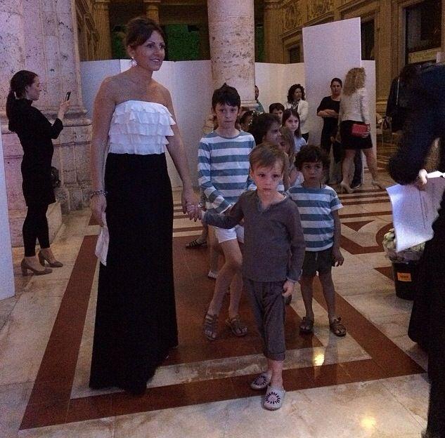 DOUUOD@Montecatini sotto le stelle. Sfilata DOUUOD con Elisabetta Mambeli, stilista DOUUOD kids collection DOUUOD catwalk with Elisabetta Mambelli, DOUUOD kids collection designer.