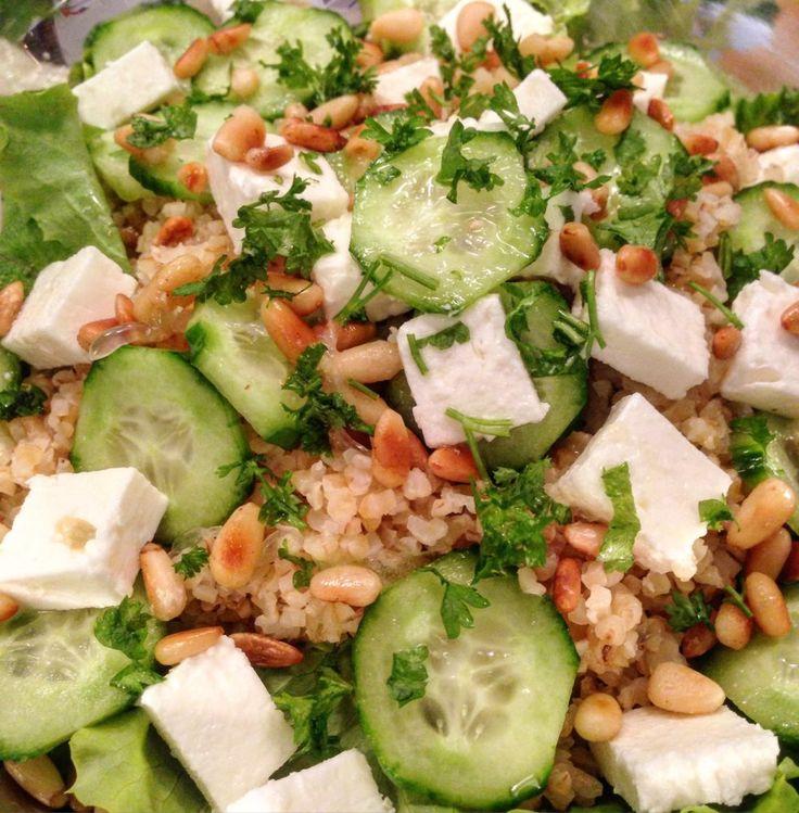 Salata de Bulgur cu Branza, Castravete, Seminte de Pin