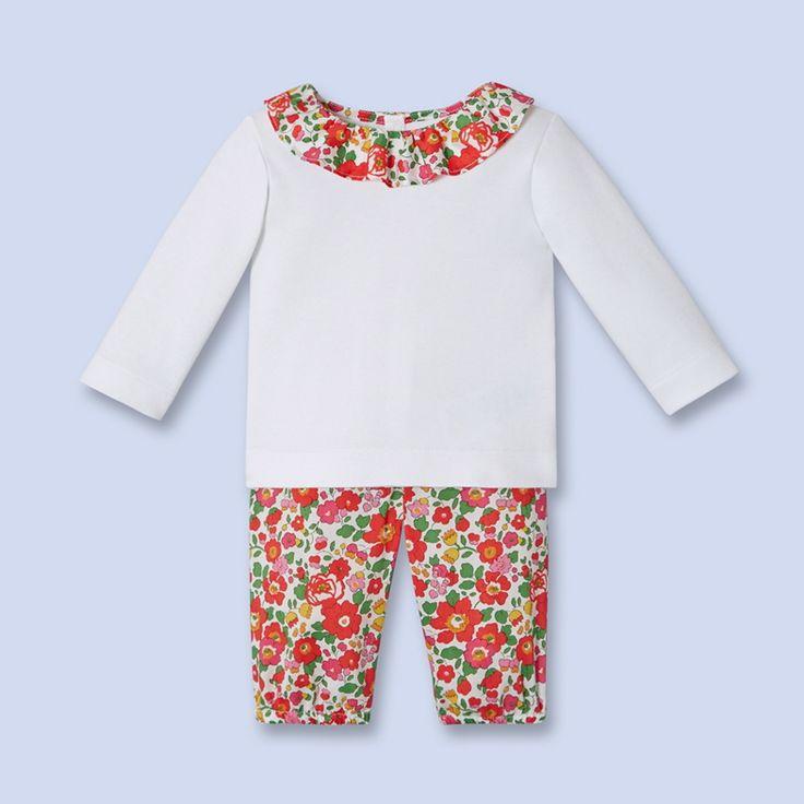 Tenue coton petite fille Jacadi : tee-shirt manches longues, collerette tissu Liberty assortie au pantalon #mode #bebe #fille #naissance #hiver #ete