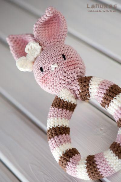 Sonajero amigurumi la coneja Rosa