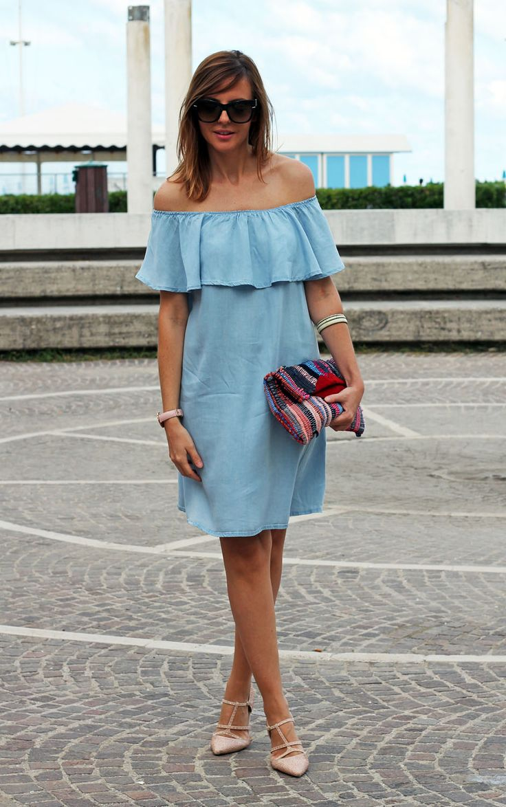 Amemipiacecosi Fashion Blog: Abito in denim con rouche e clutch multicolor Maslinda Designs