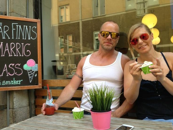 Hans och Lovisa www.lofsan.se i Frogskins, Oakley och Ray-Ban Aviators flash lense från Synsam