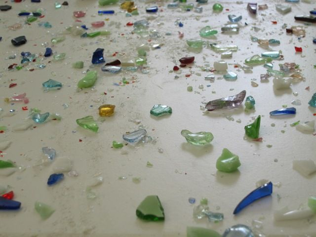 How to make a crushed glass countertop