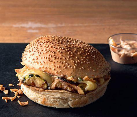 Fan des burgers de Big Fernand ? Découvrez la recette du très gourmand Le Claude