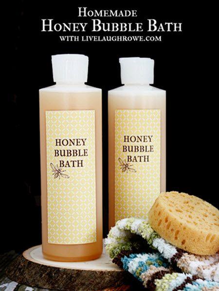 Homemade Honey Bubble Bath | http://diygiftworld.com/homemade-honey-bubble-bath/