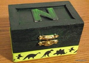Decorate a small wooden box and turn it into a treasure box. Great kid craft & 10 best Small box images on Pinterest | Small wooden boxes Nice ... Aboutintivar.Com
