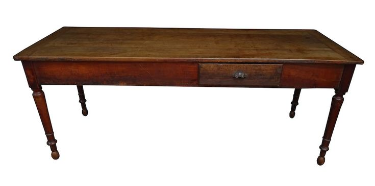 Toller rustikaler Biedermeier – Tisch 77, um 1860, mit dunkler und warmer Patina, Kirschbaum massiv. Am Kopfende und seitlich versetzt in der Front jeweils grosse Schublade. Breite 200 Tiefe ca 80
