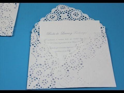 Un sobre muy elegante realizado con una blonda de papel