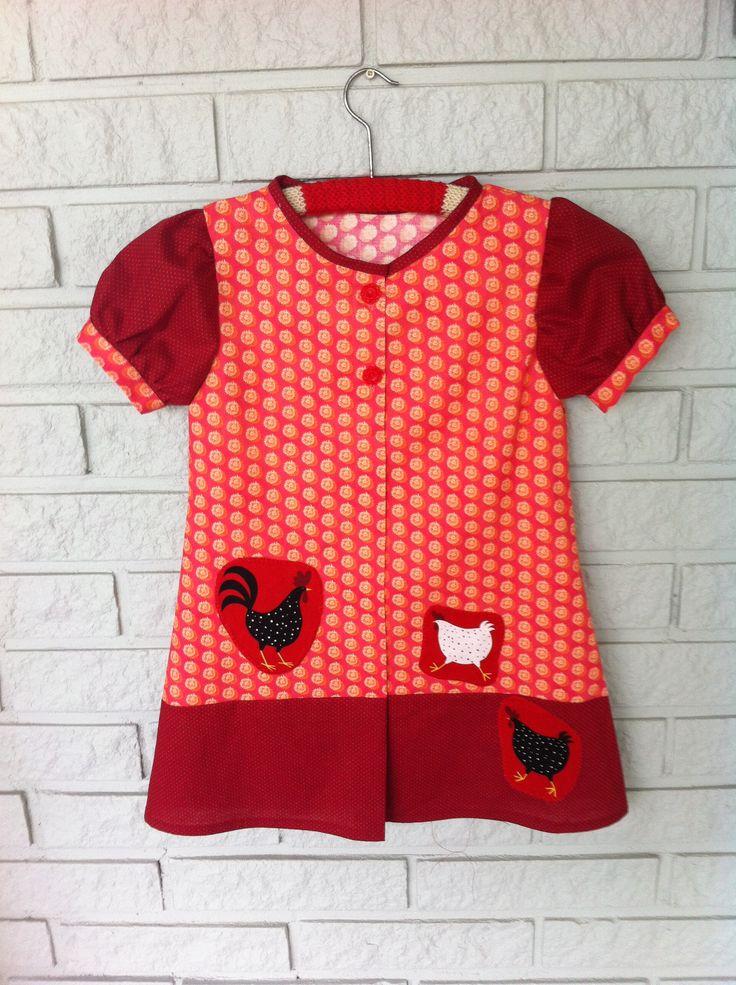 Made by Anne-Britt Nygaard. Facebook: 2sisters redesign.    Girls dress size 4 years. http://epla.no/handlaget/produkter/711070/