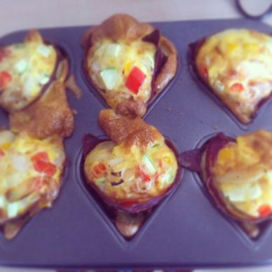 Delicious egg muffins! Great for breakfast or as a snack #Paleo