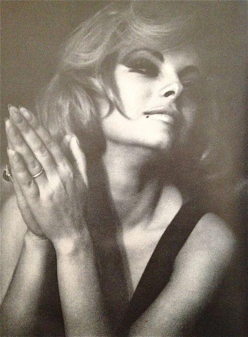 Virna Lisi, 1965. www.alidifirenze.fr