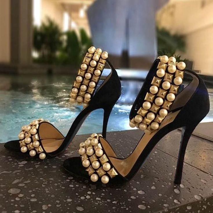 Black Heels make me feel so elegant, what about you, ladies?