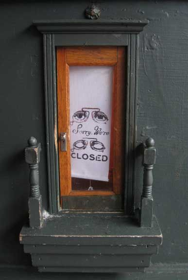 """The Town with a Subculture of Secret Tiny Doors:  """"In Ann Arbor, Michigan, a series of what is known as 'fairy doors', began popping up around the area in 2005, built into buildings, shops and restaurants and quickly acquired a cult following""""   http://www.messynessychic.com/2013/06/11/the-town-with-the-secret-tiny-doors/"""