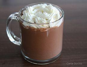 Delicioso chocolate quente cremoso belga. Uma bebida cremosa e reconfortante, com leve toque de especiaria, daquelas que satisfaz e aquece.