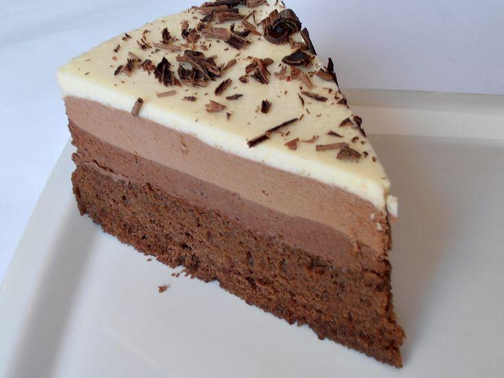 """CAIETUL CU RETETE: Tort """"Trio de ciocolata"""""""